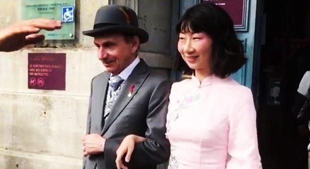 Michel Houellebecq, lo scorso settembre si è sposato con la fidanzata Qianyum Lysis Li