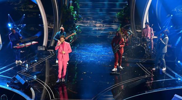 Sanremo, scaletta terza serata: cantanti con l'ordine di uscita; ospiti Benigni, Georgina e Mika