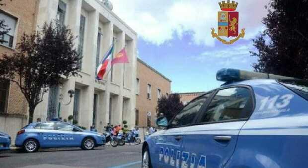 Lingua di un animale nella cassetta della posta, minacce di morte e aggressioni: arrestati a Latina Fabrizio Marchetto e i figli