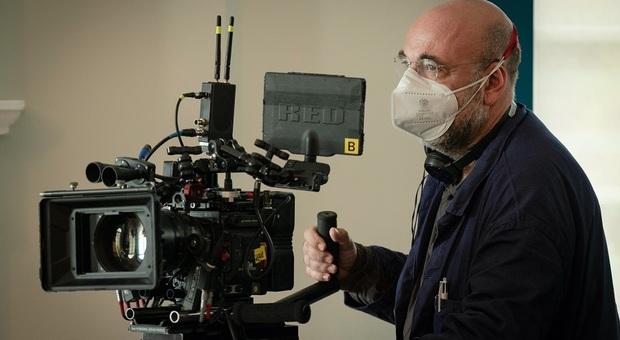 Paolo Virzì sul set del film Siccità girato a Roma