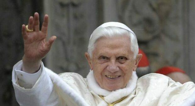 Ratzinger rompe (di nuovo) il silenzio, stavolta per criticare la Chiesa tedesca