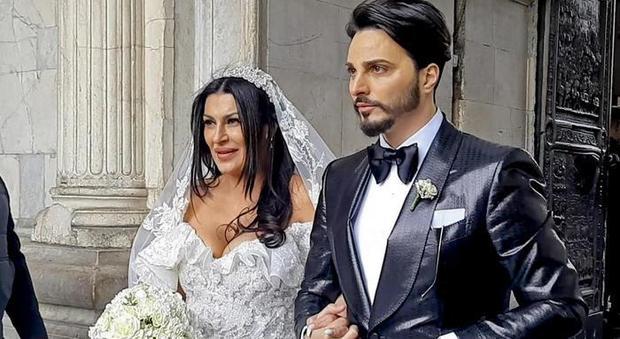 Francesco Dell Uomo Matrimonio : Nozze trash a napoli il cantante tony colombo: «chiederò i danni al