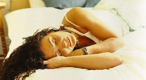Sonno, dormire nel week end non ripara i danni delle notti insonni