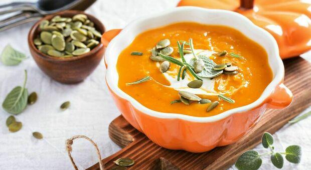 Zuppa, tutti i segreti del piatto più amato dalle star: una fusione di gusto e nutrizione