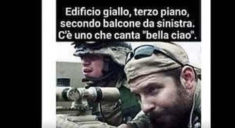«Cecchino spara, c'è uno che canta Bella Ciao», bufera per il post del consigliere leghista. Guerini: «Indagate»