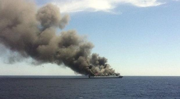 Nave per Venezia, grande paura bordo: scoppia un incendio, 600 persone sbarcate