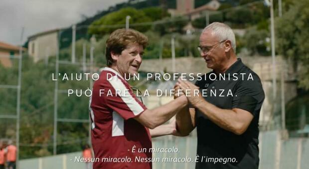 Claudio Ranieri in un frame del video realizzato dal sito Cigaretteless
