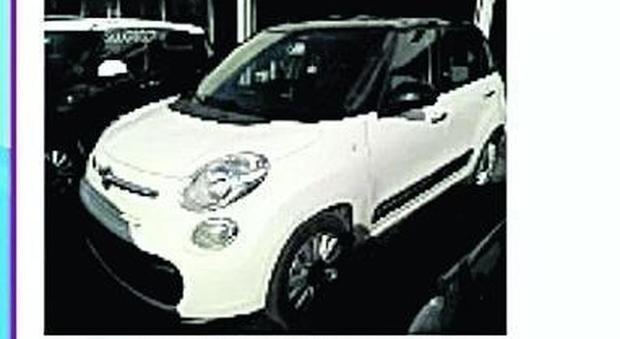 89d0c82337 Roma, la maxi-truffa delle auto: «Pagate e mai consegnate»