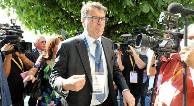 Green pass obbligatorio, ministro Giorgetti: «C'è ipotesi estensione a tutti i lavoratori»