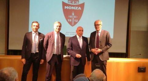 Ufficiale: Berlusconi ha acquistato il Monza. Galliani: «Non ho tradito il Milan ero lì in prestito per 31 anni»