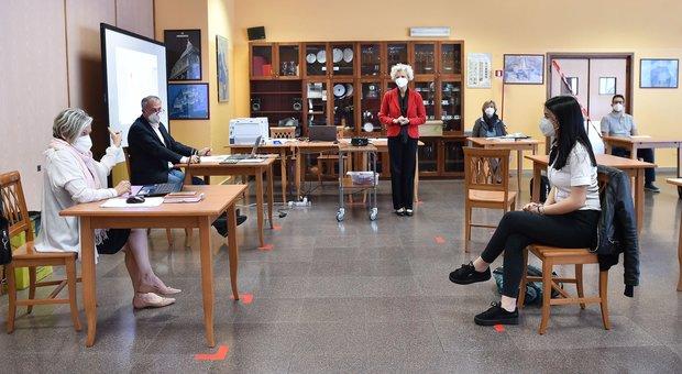 Scuola, pressing degli esperti per l'ingresso in classe: «Bisogna anticipare orario»