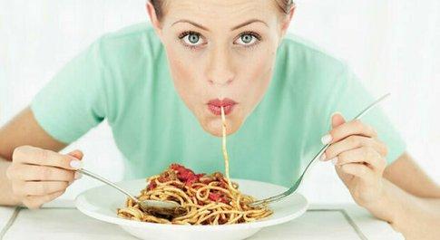Dieta, mangiare la pasta si può (e si deve): ecco quanti grammi bisogna assumere