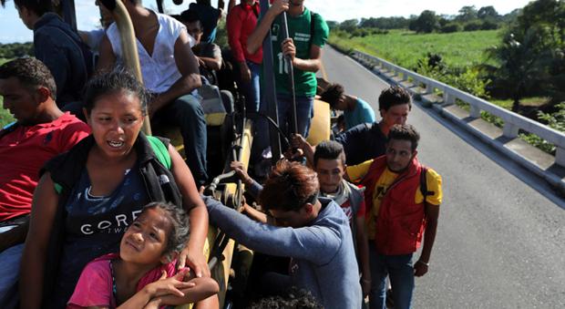Donne vittime di violenza in fuga dall'America Centrale, ma gli Usa non le accolgono