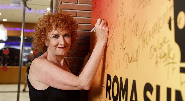 Fiorella Mannoia e la stalker arrestata, il dolore della cantante su Fb: mi dispiace per lei, non ho avuto scelta
