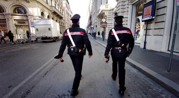 Roma, fanno shopping in centro senza pagare: denunciate due studentesse minorenni incensurate