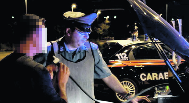 Guida ubriaco, alcol nel sangue 3 volte il limite: 25enne assolto