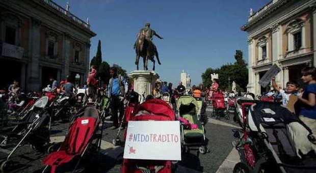 La protesta dei passeggini in Campidoglio