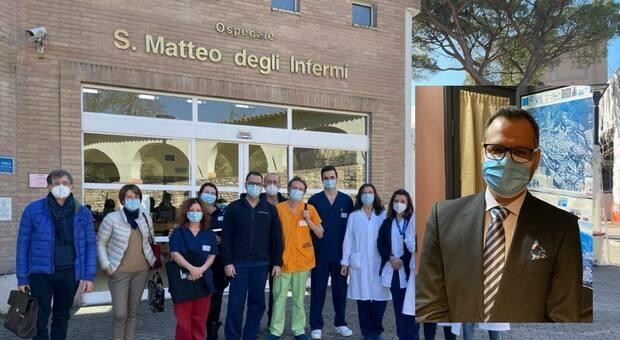 Il Covid Hospital di Spoleto con l'equipe umbro-lombarda di emergenza-urgenza Nel riquadro il dottor Mirko Belliato