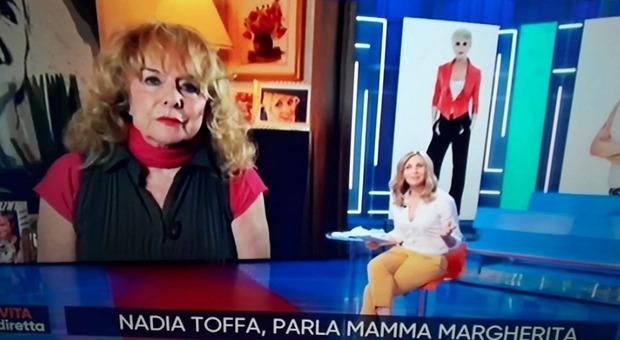 Nadia Toffa, mamma Margherita alla Vita in Diretta: «Prima di morire mi ha rivelato una cosa da pelle d'oca...»