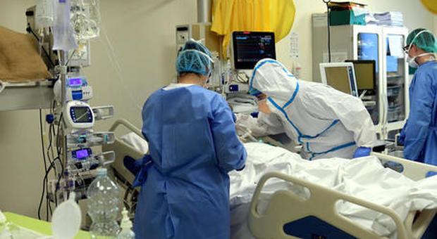 Coronavirus, a Roma 33 nuovi casi (56 nel Lazio). Calo record per il terzo giorno consecutivo