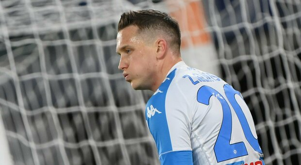 Napoli, Zielinski è negativo al Covid: tamponi anche per azzurri rientrati dalla nazionale