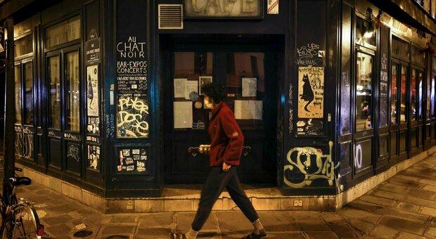 Francia, Cts: «Natale in piccoli gruppi e con il coprifuoco»