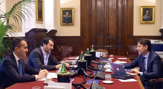 Inquinamento, Matteo Salvini si scontra con Di Maio sull'ecotassa