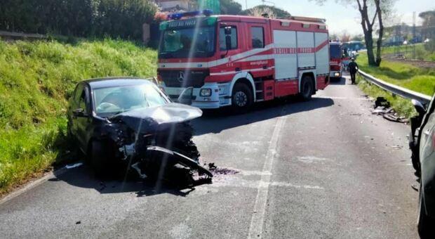 Roma, incidente fra 5 auto sulla Flaminia: 2 bambini in ospedale