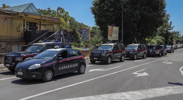 Roma, cellula anarchica con base centro sociale programmava attentati: sette arresti