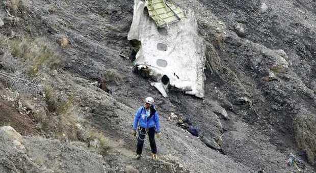 Strage Airbus, l'ultima decisione coraggiosa del comandante: non avvertire i passeggeri della morte in arrivo