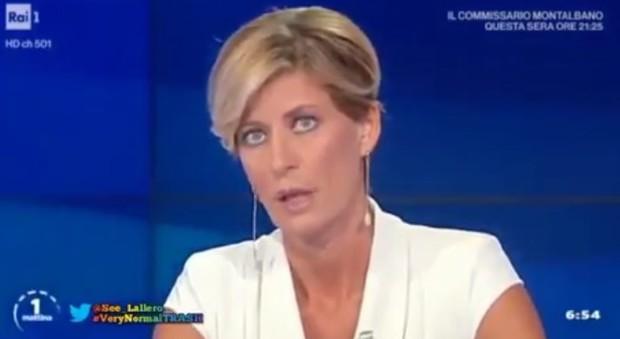 Unomattina L Inviata Impreca In Diretta La Nuova Conduttrice Valentina Bisti Rimedia Cosi