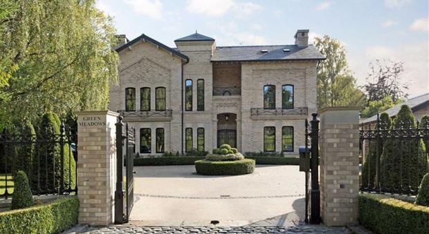 Bagno In Comune In Inglese : Gb in vendita la prima villa inglese di ibrahimovic: ma il prezzo