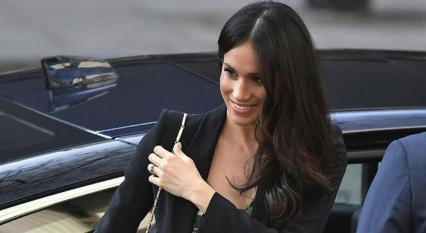 Regina vieta a Meghan gioielli di Diana - Ultima Ora