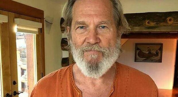 Jeff Bridges: «Il tumore regredisce, ma mi sono ammalato di Covid durante la chemio»