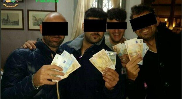 Carabinieri Piacenza, spunta l'orgia nell'ufficio del comandante. «Dalla Calabria fiumi di droga»