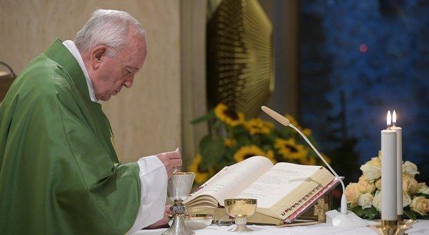 Papa Francesco apre indagine contro chi ha diffuso le foto segnaletiche dei funzionari trattati come gangster