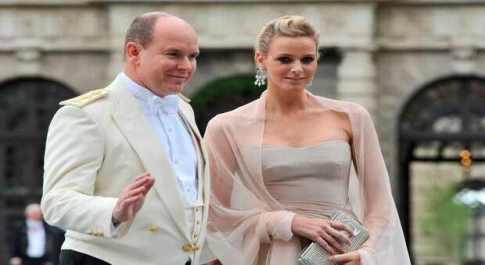 Alberto di Monaco e Charlene, la favola verso il non lieto fine: lei cerca casa in Sud Africa con i gemelli