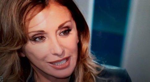 Sabrina Salerno, il dolore segreto a Io e Te: «Mi ha rovinato la vita, per lui non esistevo...». Diaco commosso