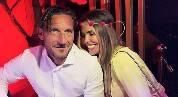 Totti e Ilary: glamour, normalità e buone maniere