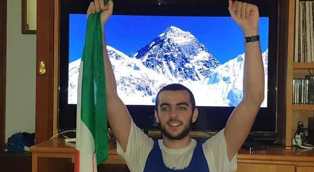 Leonardo Massai a casa dopo l'impresa con l'Everest alle spalle