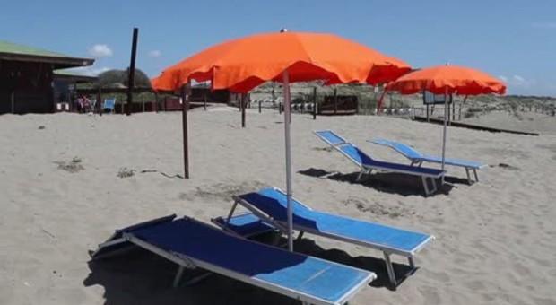 Roma, domani aprono stabilimenti e spiagge libere (senza bagnini). C'è la app ma niente prenotazione