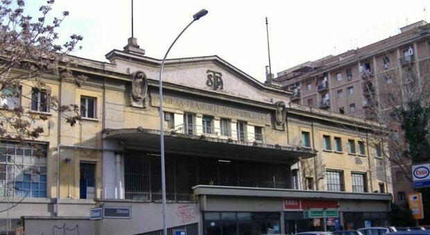 L'ex rimessa Atac di piazza Ragusa
