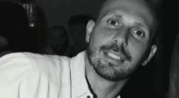 Ex calciatore ucciso e sciolto nell'acido, l'imputata: «Era già morto quando l'ho spinto nel bidone»