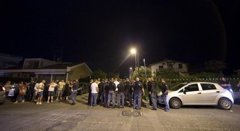 Roma, assalti ai bus: a Corcolle è caccia ai neri