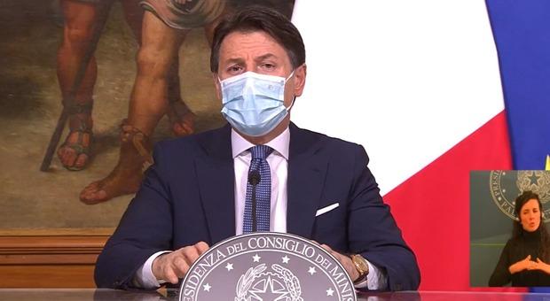 Conte presenta il decreto Natale: «Stretta necessaria. Ristori per 645 milioni»