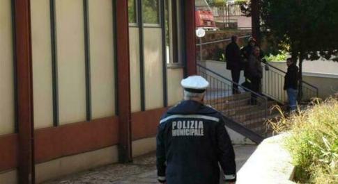 Roma, «telecamere anti-spaccio davanti 30 scuole superiori». L'annuncio della sindaca Raggi