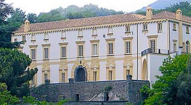 Cutolo, quando il boss comandava in Campania: la residenza in un castello medievale