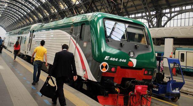 Sciopero venerdì 25 ottobre, treni a rischio per 24 ore: possibili ritardi e cancellazioni