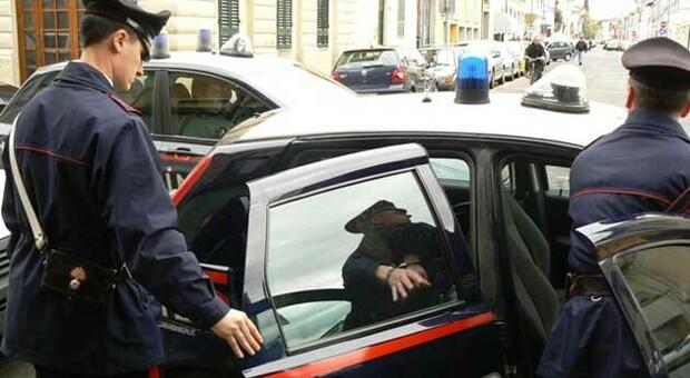 A 17 anni tenta di violentare e strangolare una donna a Torino: catturato