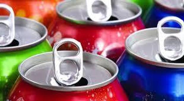 Troppo zucchero, il 35% della popolazione ha carie: sotto accusa le bibite gassate